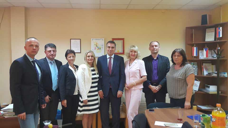 """potpisivanje Sporazuma o partnerstvu jedinica lokalne samouprave na """"Unapređenju investicionih lokacija duž koridora 10"""""""